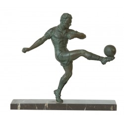 SOCCER. GREEN PATINA BRONZE. Ca. 1930
