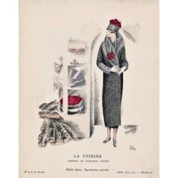 LA VITRINE. MANTEAU DE MADELEINE VIONNET. MADELEINE RUEG. GAZETTE DU BON TON