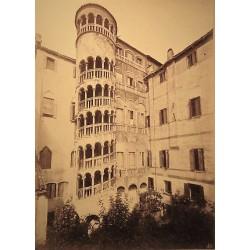 VENECIA, SCALA PALACIO MINELLI IN CALLE DELLE LOCANDE A S. PATERNIANO. NAVA Phot.