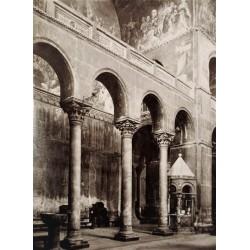 VENEZIA, Basilica di S. MArcoo. Dettaglio dela navata magiore con l'Altare Greco