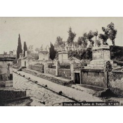 NAPOLI, Strade delle Tombe di Pompei.