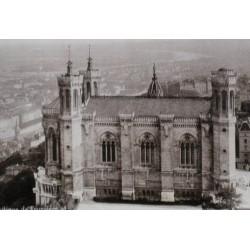 LYON, (FRANCE) Basilique de Fourvière et Panorama de Lyon
